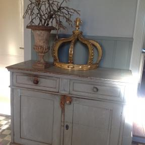 Rare large wooden Crown, Bois Dore