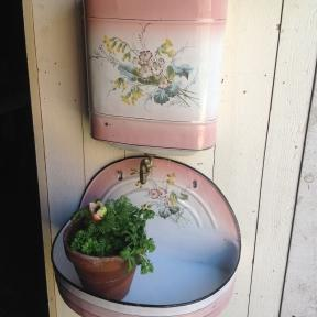 French enamel watertank in softpink