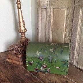 French handpainted bridalbox