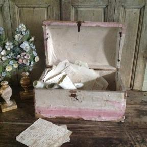 French bridalchest in soft pink